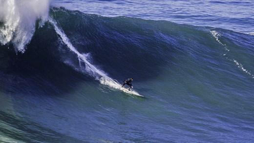 nazare dev dalgalar ve sörf