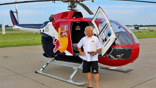 Chuck Aaron helikopter akrobasi gösterisi