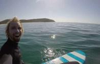 Denize Girdiğinde Bir Anda Balinalar Arasında Kalan Sörfçü