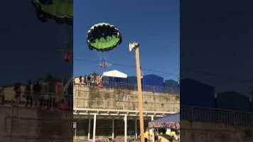 Paraşüt Keyfi Yaparken Elektrik Tellerine Takıldılar