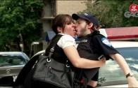 Kocasını Polis Arkadaşıyla Gözünün Önünde Aldattı
