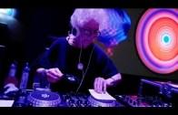 80 Yaşındaki DJ Wirginia Szmyt İle Tanışın