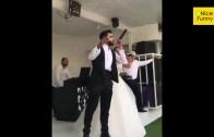 Düğünlerinde Norm Ender'in Şarkısını Söyleyen Gelin ile Damat Sosyal Medyanın Dilinde