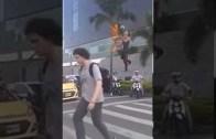 Trafik Işıklarında Şov Yapan Jonglör