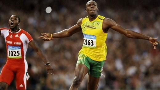 Hala rekorları kırılamayan Jamaikalı eski atlet Usain Bolt, 200 metre rekorunu böyle kırmıştı. Usain Bolt 200 metre rekoru 19.19.