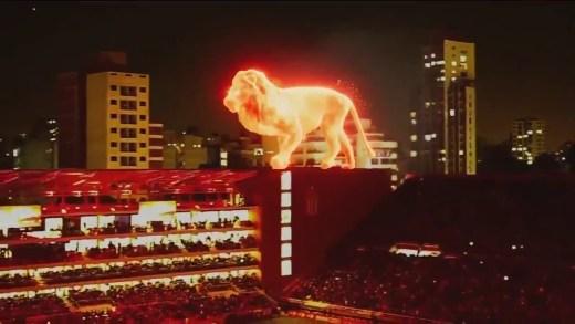 stadyum açılışında muhteşem aslanlı hologram
