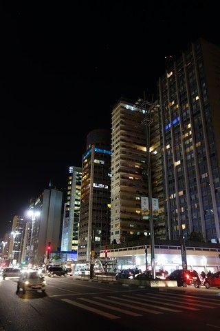 Bresil- Sao Paulo: L´Avenue Paulista, la plus belle avenue de Sau Paulo de nuit.