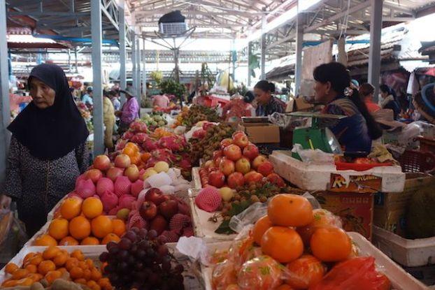 Il y a de nombreux fruits tropicaux à découvrir du coté de Kampot au Cambodge. Photo blog tour du monde. http://yoytourdumonde.fr