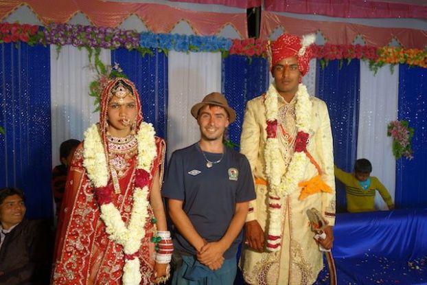photos de yohann tour du monde lors d'un mariage en inde à pushkar en tenue traditionnelle photo blog voyage tour du monde http://yoytourdumonde.fr