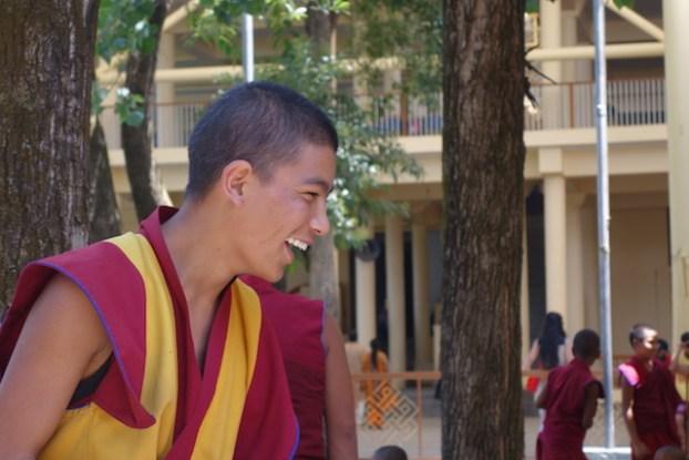 moine tibétain exil dharamsala photo blog voyage tour du monde http://yoytourdumonde.fr