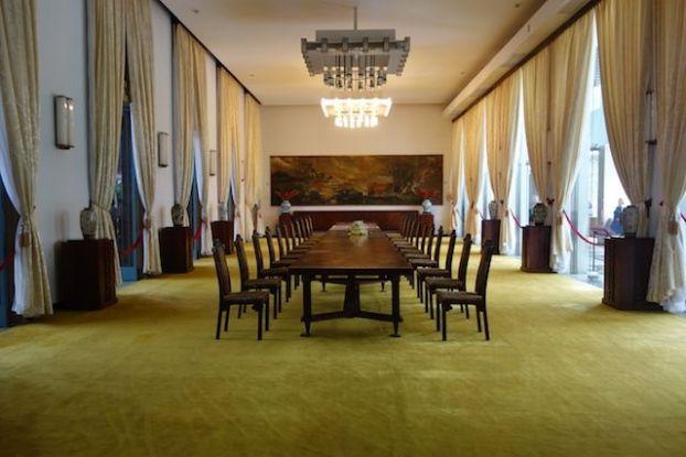 La salle des banquets dans le palais de la reunificaton sur le site http://yoytourdumonde.fr