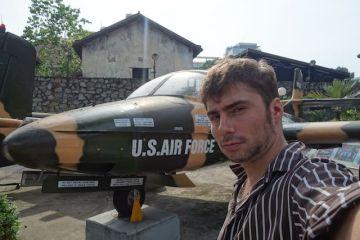 avion guerre du vietnam au musée de la guerre a Saigon - blog yoytourdumonde