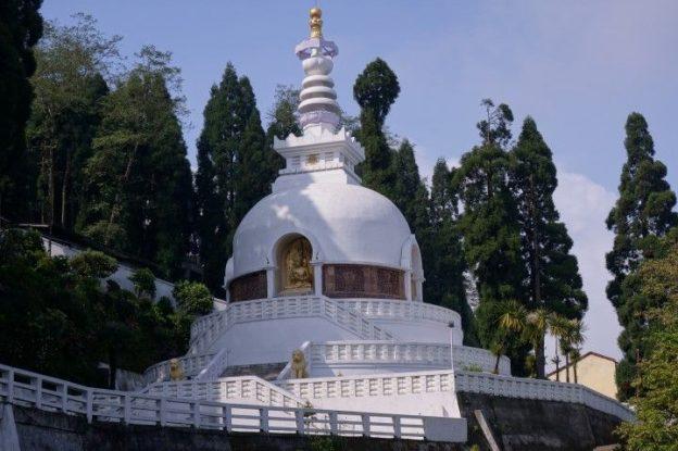 Magnifique templeJapanese Peace Pagoda photo voyage tour du monde http://yoytourdumonde.fr