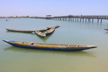 Vous pouvez accéder à l'ile des coquillages soit par bateau soit grace à un très joli pont en bois. Photo blog voyage tour du monde http://yoytourdumonde.fr