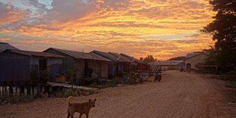 La visite du village de pecheur de kep est une obligation. Surtout au couche du soleil. http://yoytourdumonde.fr