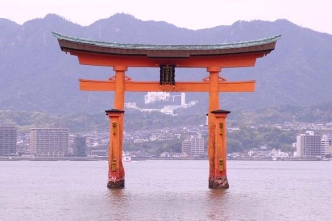 Celebre tori de Miyajima photo blog voyage tour du monde http://yoytourdumonde.fr