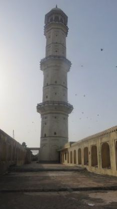 Pour voir le couche du soleil le Iswari Minar Swarga Sal est vraiment l'endroit a etre vue splendide de jaipur photo voyage blog tour du monde http://yoytourdumonde.fr