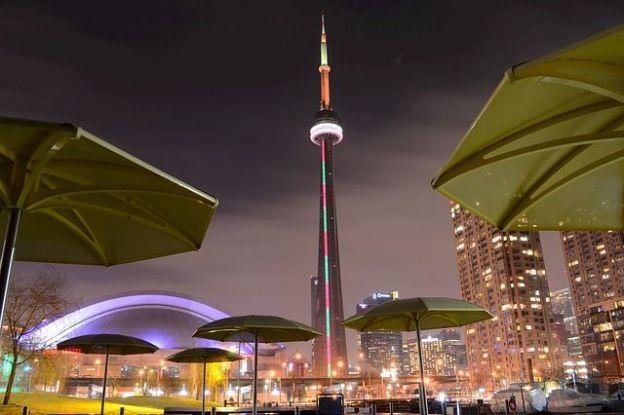 La ville de Toronto est l'une des villes les plus visités d'Amerique et je comprend tant il y a des choses à faire et à voir photo blog voyage tour du monde http://yoytourdumonde.fr