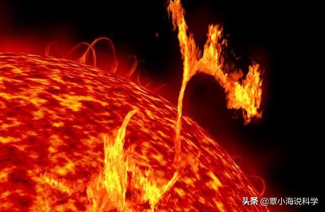 The sun can transfer heat to the earth, why is the space between the sun and the earth cold?