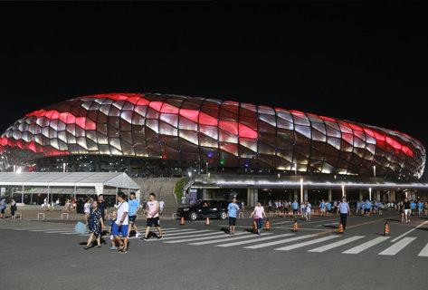 Reporter:There are stadium lights in the Super League area that do not meet the requirements, and an emergency device will be installed
