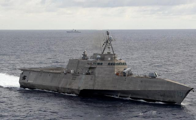 rare! After the US Littoral Combat Ship approached my country's scientific research ship, they sent double carriers to the South China Sea