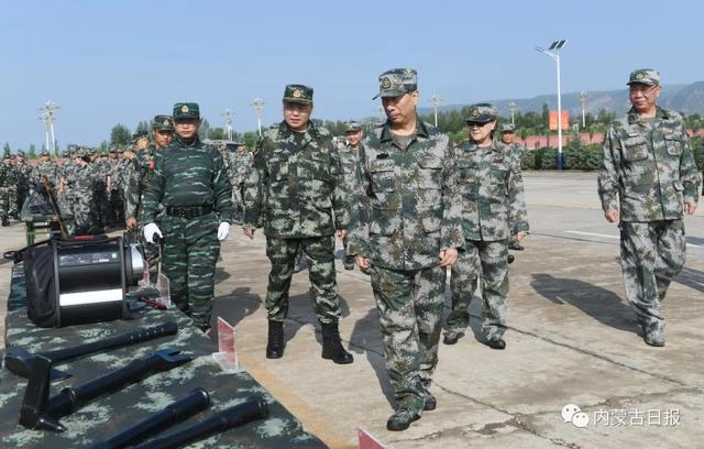 "Leaders of the Party, Government and Army of the Autonomous Region Participate in the""August 1st"" Military Day Activities Shi Taifeng Speech Bu Xiaolin and Li Xiuling attended"