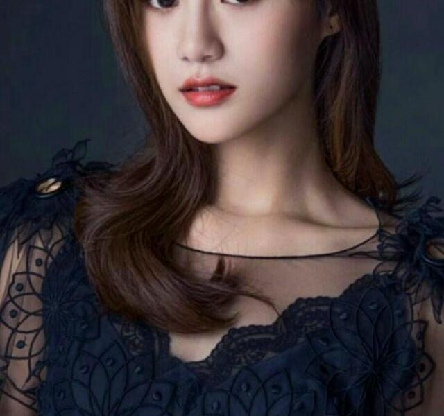 Anyuexi is youthful and beautiful, really charming