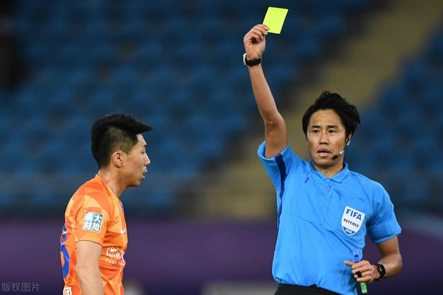 Jin Jingdao:The referee said Gerdes did not foul, VAR reminded him to foul