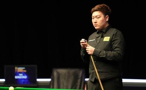 Chinese teenager Yan Bingtao advances to the semifinals of the Snooker Masters semifinals and meets the defending champion