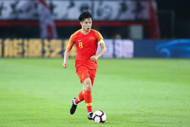 CCTV reporter:The captain of the national football team will be produced among Hao Junmin, Wu Xi, Zhang Linpeng and Yu Dabao