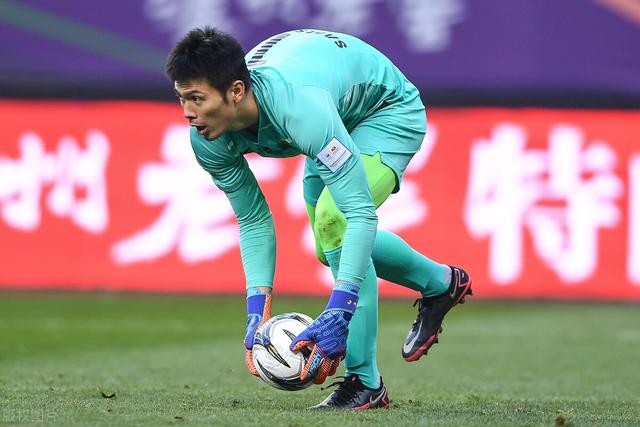 After the Football Association's salary limit, the Chinese Super League players with a maximum salary of 5 million before tax may not be able to repay their mortgage? The saddest thing is these two internationals