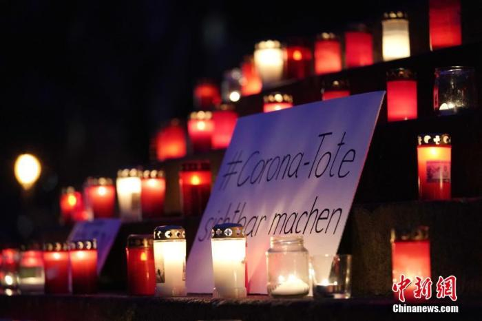 "Candlelight under the Berlin sky: ""Let the invisible be seen"""