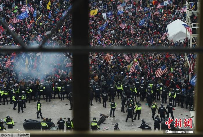 """The United States will follow the riots: the former acting secretary of defense said that he was afraid of sending troops to be regarded as a """"coup"""""""