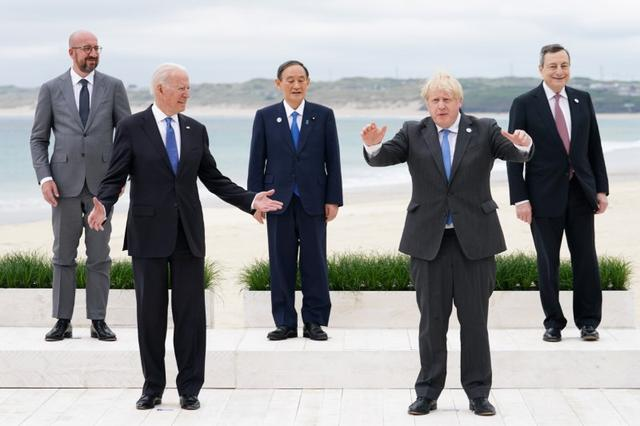 """At the G7 summit, unable to express being alone, Yoshihide Suga became an""""orphan"""", and Japan could not laugh"""