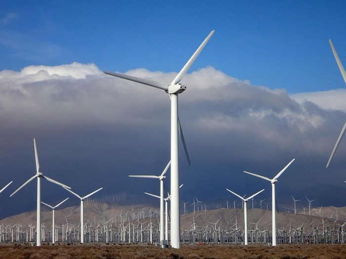 International Energy Agency: global renewable energy investment needs to triple in the next 10 years