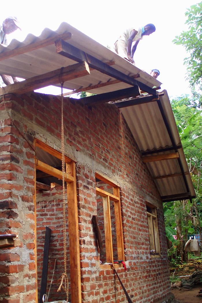 sri lanka clay brick house