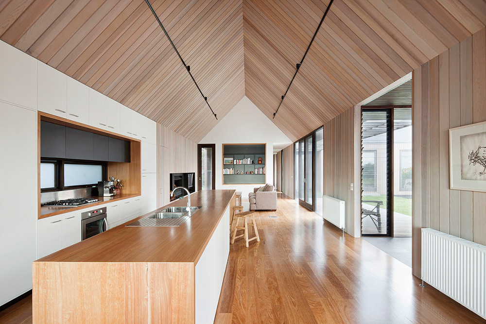 Simple Modern Gable Roof Design. [Seaview House By Jackson Clements Burrows  Architects. Photo By Shannon McGrath.]