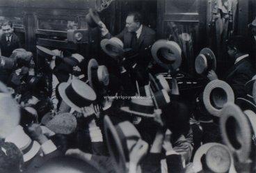 Hipólito Yrigoyen llegando a Rosario