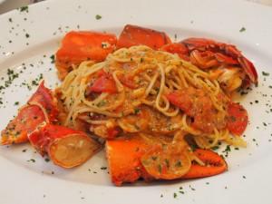 Spaghetti with lobster, tomato, chilli & garlic