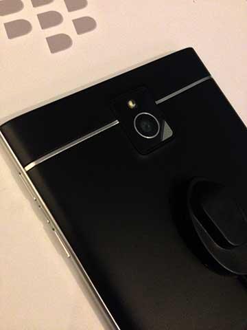 BlackBerry Passport hands-on, first impressions - YugaTech