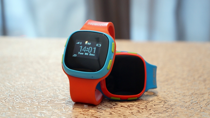 alcatel-movetime-track-and-talk-watch-1