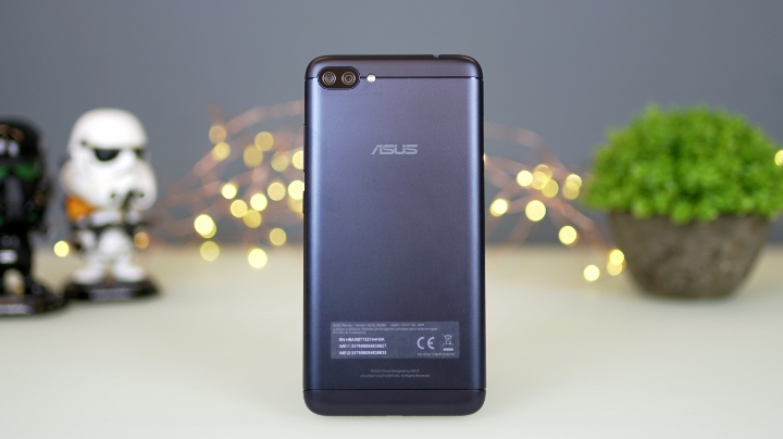 Asus zenfone 4 max pro review yugatech philippines tech news on the hand the zenfone 4 max pro feels solid and reasonably hefty at 181 g despite the large 5000mah battery its now thinner than the original zenfone stopboris Image collections