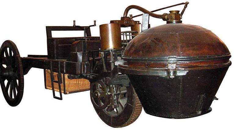 Dünyanın ilk otomobili Fardier 1769 senesinde Fransız mühendis yüzbaşı Cugnot'un icadıdır. Aslında traktör olarak yapıldı ancak sonradan otomobile dönüştürüldü.