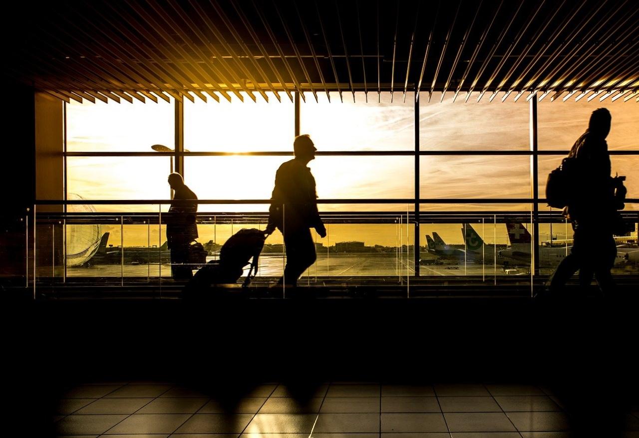 1000 $ pour les voyageurs admissibles qui doivent faire la quarantaine obligatoire au retour.