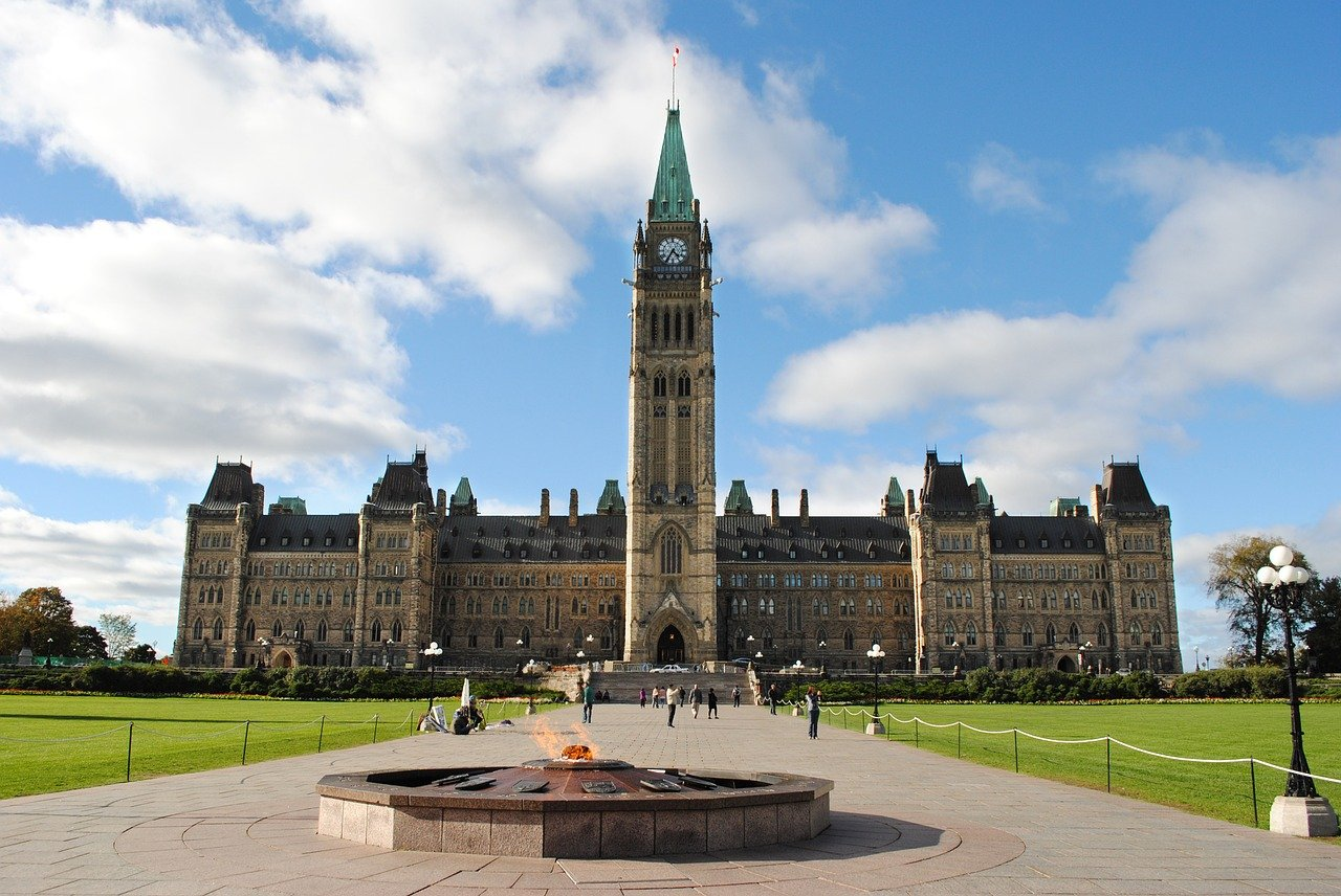 Flights on sale from Calgary to Ottawa 233$ R/T