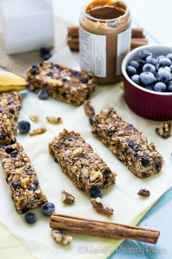 Bananas Foster Oatmeal Breakfast Bars by Mariah's Pleasing Plates