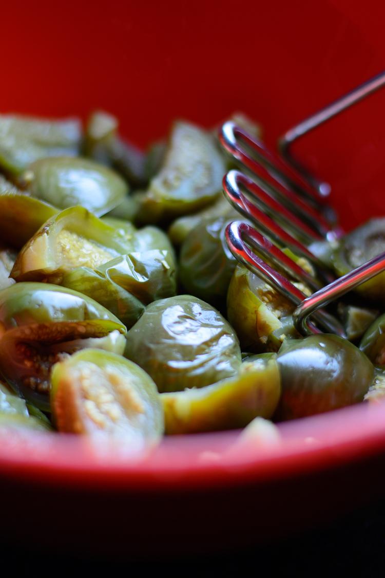 Nigerian Eggplant Stew/Garden Egg Stew (Aubergine Stew) - Smashing the eggplants for the eggplant stew