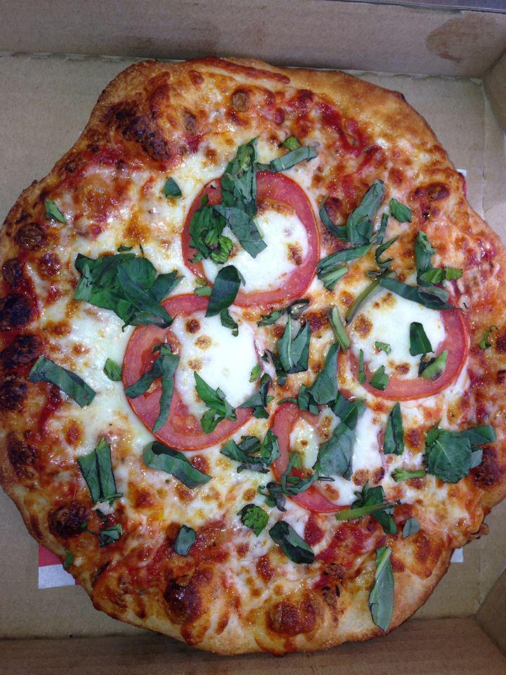 Yummy Food TrucksYummy Pizza and Yummy Spiedies