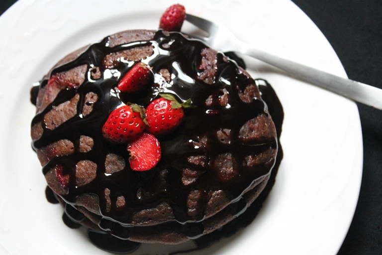 Eggless Chocolate Strawberry Pancakes Recipe Chocolate Pancakes Recipe Yummy Tummy