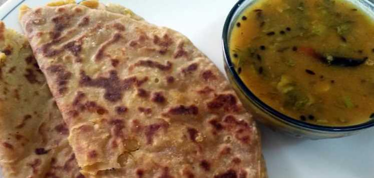 Puran Poli with Amti / Flatbread with sweet stuffing and tangy sauce